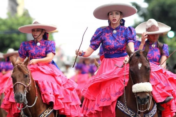 Conoce los trajes típicos de escaramuza y listones de Jalisco. Foto: Life Style