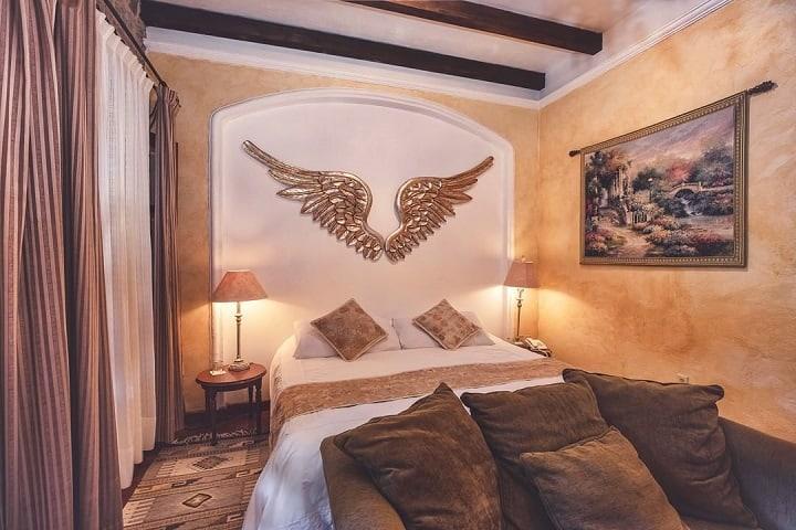 Esta será tu habitación si decides quedarte en Conquista, ¿Cómoda no? Foto: Mansión San Miguel