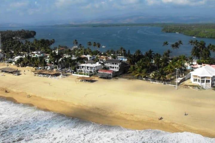 Cuándo vayas a la Barra de Coyuca en Acapulco, ¡No olvides visitar a Don Timoteo! Foto: Archivo