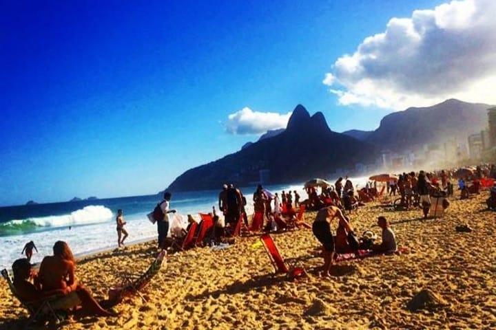 Cuerpos esculturales en Brasil. Playa ipanema. Imagen. Natalia Kapchuk (NK)