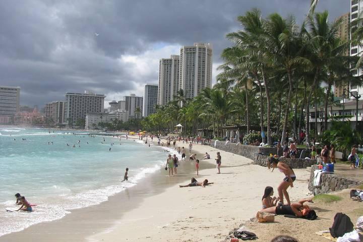 Disfruta de la maravillosa playa Waikiki. Foto: dlhnpdx