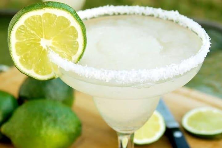 En una Margarita es una de las formas de tomar tequila. Foto: Robb Report México
