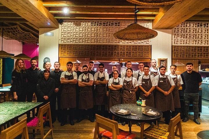 Este es el equipo de trabajo que preparará las delicias dignas de tu paladar. Foto: Hoja Santa