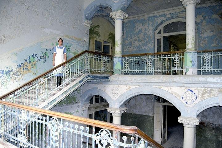 Imagínate que vas subiendo y se te aparece un fantasma de Beelitz-Heilstäten... Foto: Dana Seredowsky