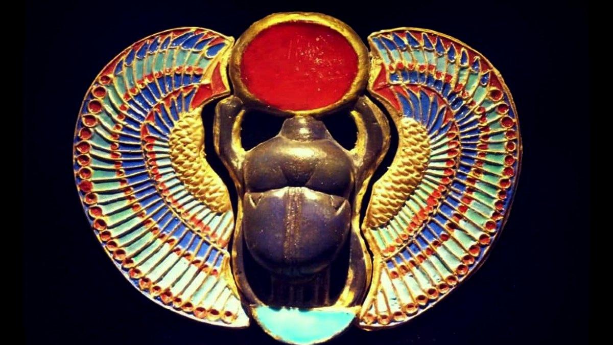 Escarabajo-de-la-suerte-Foto-deisyhflores-Instagram (1)
