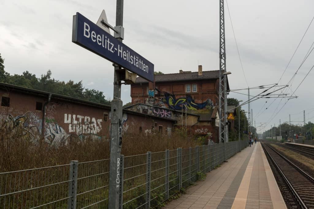 He aquí la estación de Beelitz-Heilstäten para que te ubiques cuando vayas. Foto: Ies Johnstone