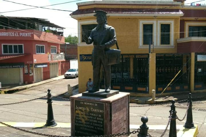 Estatua-Jaimito-el-cartero-Foto-meganoticias.mx_