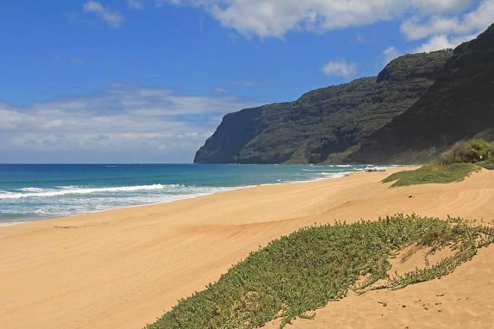 Esta locación está rodeada de hermosa arena blanca y aguas cristalinas que puedes disfrutar tú solo. Foto: Clark Thompson