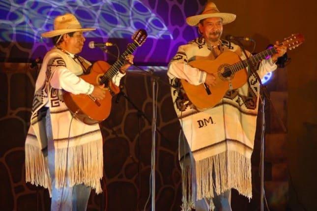 Dúo cantante la Pirekua, canto tradicional purépecha. Foto: Archivo