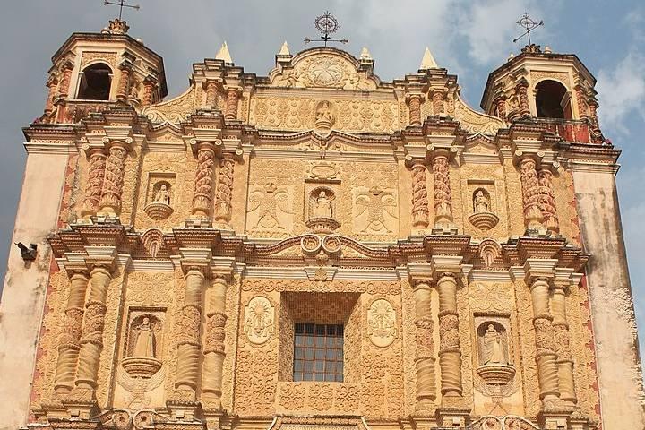 Fotos de San Cristobal de las Casas. Templo de Santo Domingo. Imagen Arian Zwegers