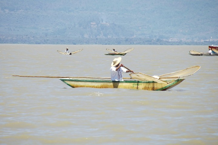 Isla Yunuén en Michoacán. Foto Saul Sotelo