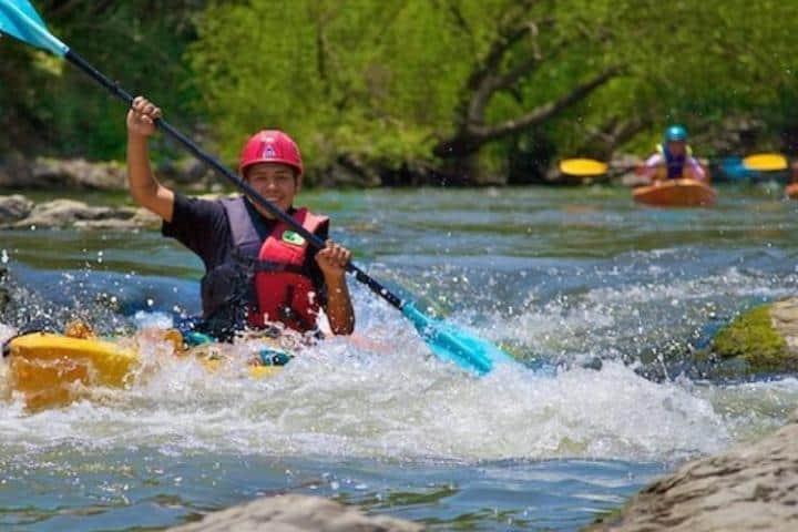 Kayak extremo en Río rápido Foto: Ecoalberto | instagram