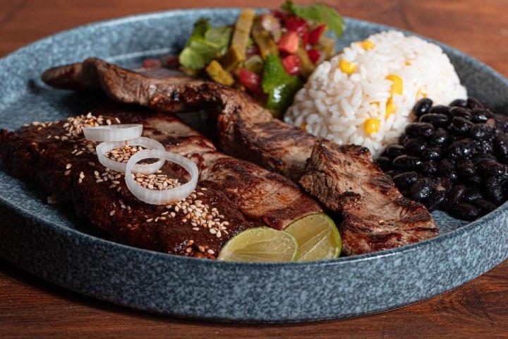 Kpuchinos Restaurante es uno de los lugares dónde comer en Tequisquiapan. Foto: Kpuchinos | Facebook
