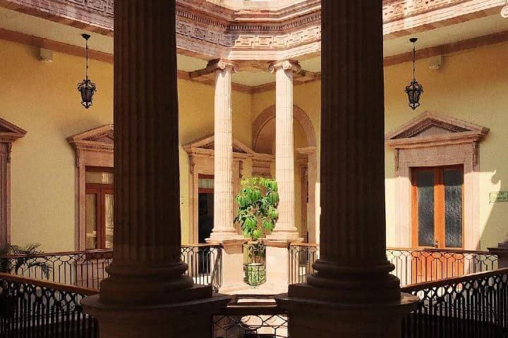 La-belleza-de-los-pasillos-superiores-Foto-lorenachas-Instagram