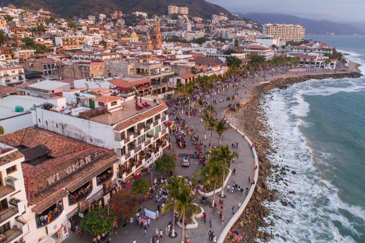 La comunidad LGBT+ se hace presente en Puerto Vallarta. Foto: Archivo