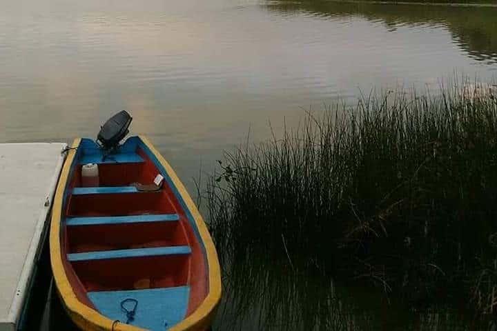 Lancha en la Isla Yunuén. Foto: Isla Yunuén | Facebook