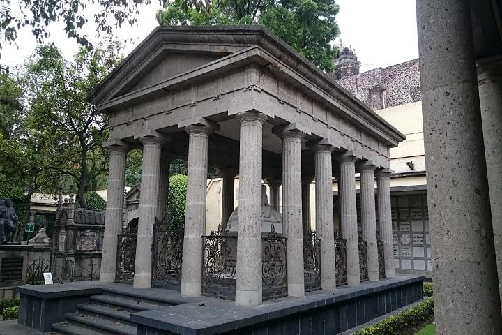 Este es el sitio del eterno descanso del Benemérito de las Américas. Foto: Luis E. Carranza