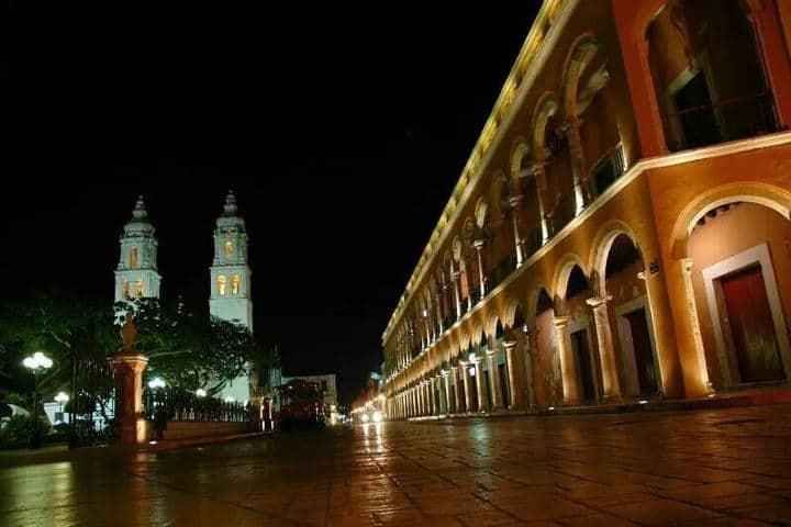 Mérida de noche Foto: Archivo