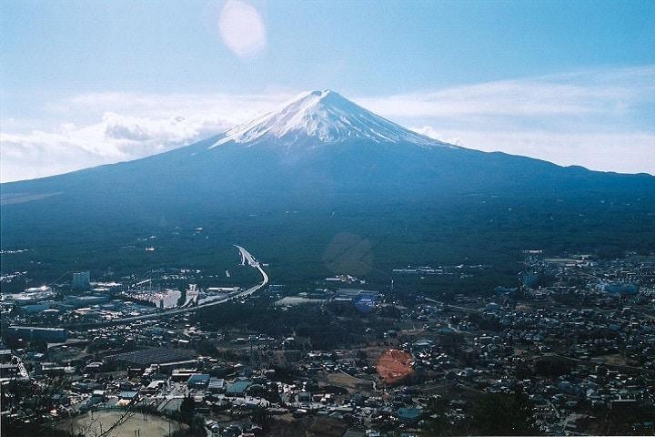 ¿Te atreves a conocer el Monte Fuji? Foto: Lewis Kun