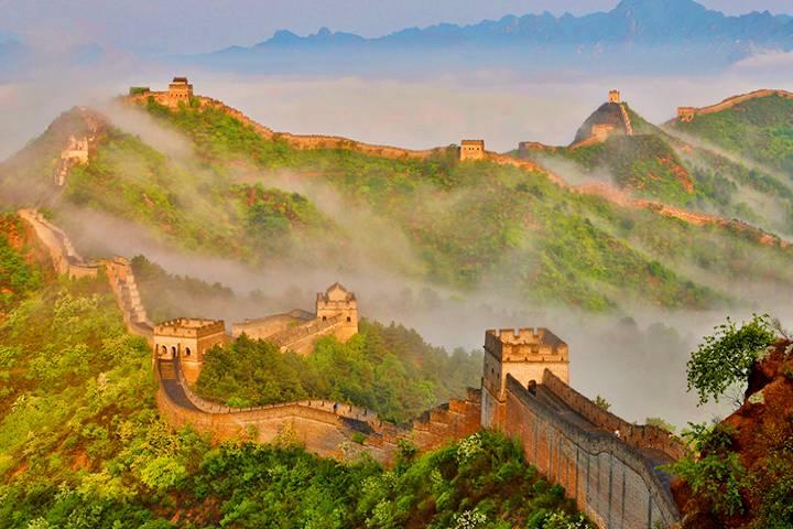 Niebla sobre la Gran Muralla China. Foto: Hola!