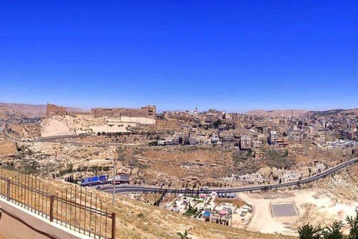 Panorámica de Jordania y del Castillo de Karak Foto: flashpacker-travelguide