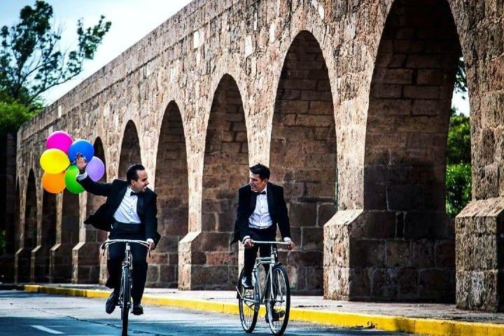Pareja paseando en bicicleta  Foto: oscark22 | instagram