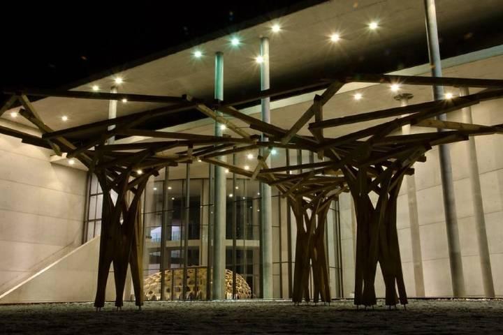 """La arquitectura moderna le da el sobrenombre de """"moderna"""" a la Pinacoteca, ¿No crees? Foto: Harmshhk"""