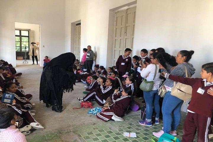 Incluso pueden hacer presentaciones para grupos escolares. Foto: Noches de Leyenda