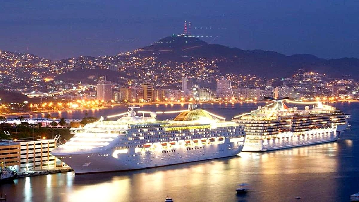 Qué impresionante se ve el crucero en la costa de Acapulco. Foto Anews
