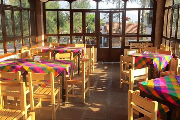 Restaurante en la Isla Yunuén. Foto: Isla Yunuén | Facebook
