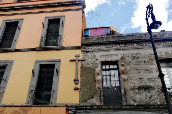Un barrio con casas muy antiguas - Foto Luis Juárez J.