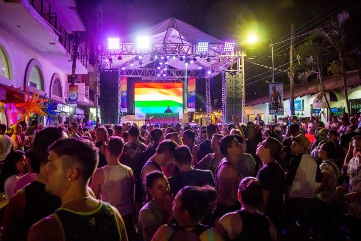 Las fiestas que hacen en Puerto Vallarta son espectaculares, por algo Puerto Vallarta tiene unas de las mejores playas gay del mundo. Foto: Archivo