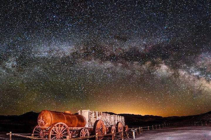Espectáculo Nocturno en el Valle de la Muerte Foto:  crecentnedula7 | Instagram