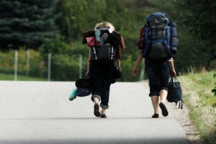Viajeros mochileros en busca de aventura Foto: FUERA DE EJE