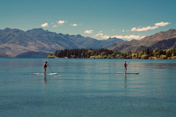 Vídeo Paddle board con ballenas. Paddle board. Imagen. Matt Zhou