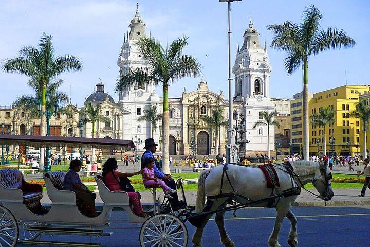 Video Qué hacer en Lima, Perú. Plaza de Armas. Imagen. Art DiNo