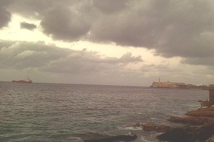 Visita la Habana Cuba como un local. Playa. Imagen. Yenisleidy Llorente Cabrera