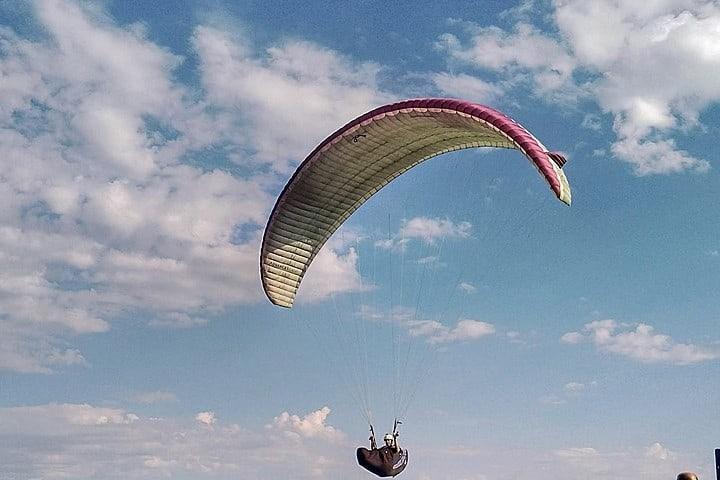 Vuelo en parapente, un deporte de Río de Janeiro. Parapente. Imagen. Rubenbrasil