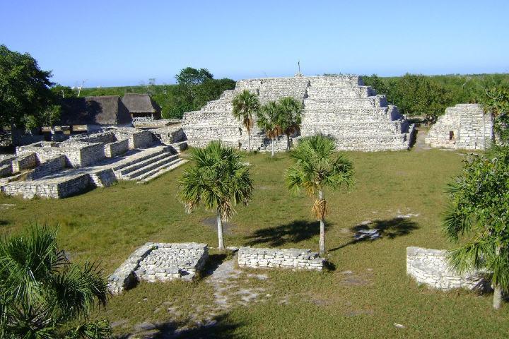 Zona Arqueológica Xcambó Foto: Riomar México