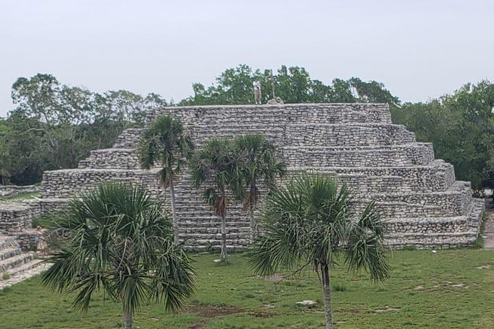Zona arqueológica maya Xcambó, lo primero de la cultura Maya. Yucatán. Imagen. Agencia palo de tinte y servicios