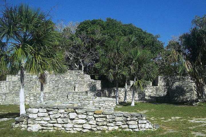 Zona arqueológica maya Xcambó, lo primero de la cultura Maya. Yucatán. Imagen. Inri