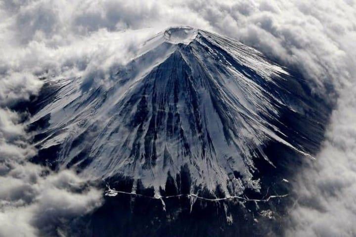 Entrénate para que puedas escalar el Monte Fuji y tomar una foto excepcional. Foto: Esculturas y Monumentos