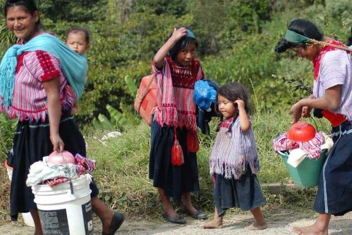 La comunidad indígena en actividades cotidianas. Foto: Archivo