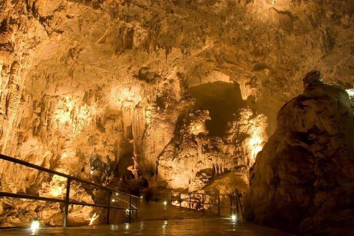 ¿Qué esperas para visitar las Grutas de Cacahuamilpa? Foto: Grutas de Cacahuamilpa