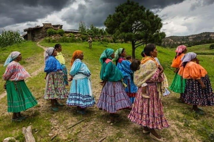 Mujeres indígenas. Foto: Astrolabio