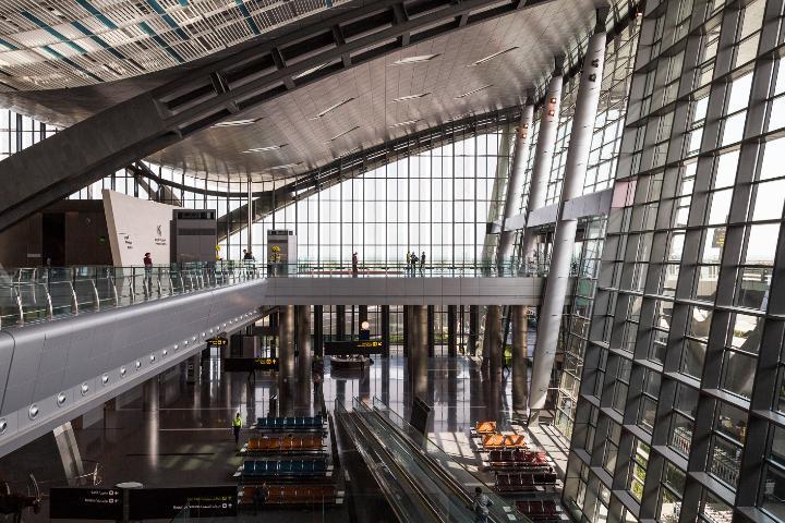 Vista del interior del aeropuerto. Foto: Max