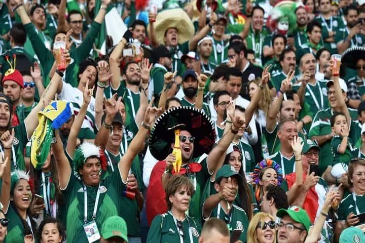 Yo no creo que podían convencer a la afición mexicana de cambiar el nombre del Estadio Azteca... Foto: 90 Min