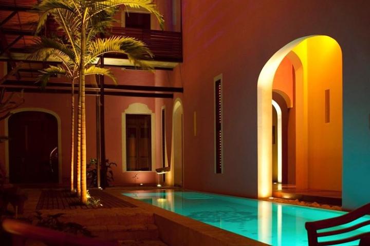 Alberca al aire libre Foto: Rosas & Xocolate Hotel