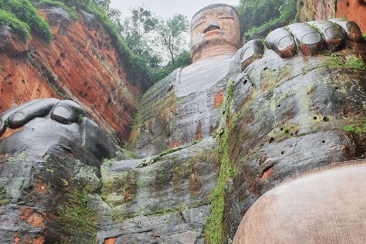 Visto desde el ángulo perfecto, el Leshan Giant Buddha se ve imponente. Foto: magdaseguel.yoga