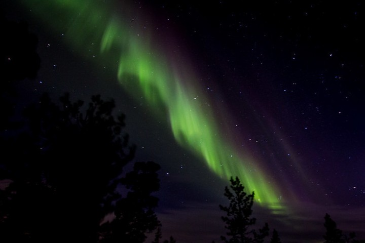 Disfruta del avistamiento de las auroras boreales. Foto: Travel in Shots